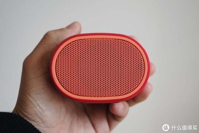 便携蓝牙音箱哪家强?索尼 SRS-XB01 挑战 JBL GO 2代
