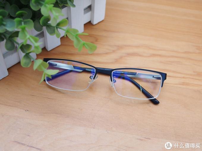 世界如此清晰-依视路睛智系列轻蓝镜片