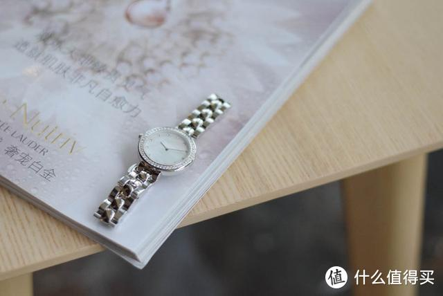 小米有品首款女士石英腕表,瑞士进口机芯+50米生活防水