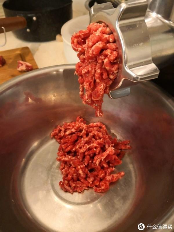 绞肉馅实图,相机默认的美食图片有点红啊