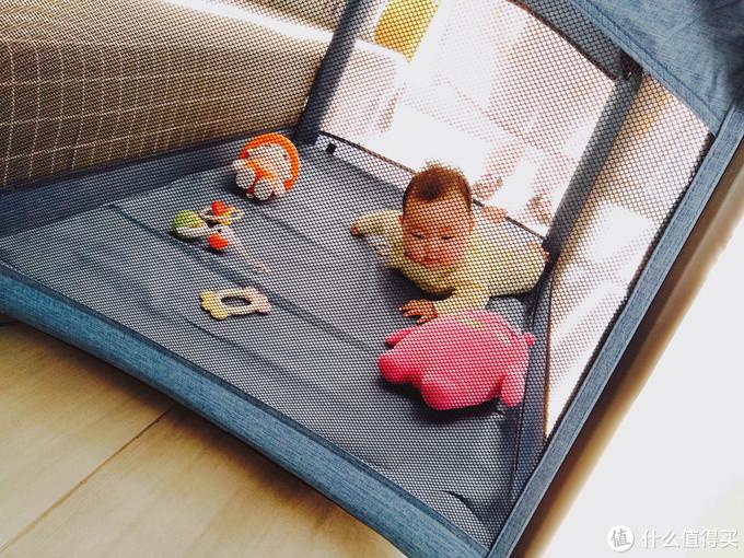 """三个柚子婴儿床:可折叠易收纳,还能当做""""蹦蹦床"""""""