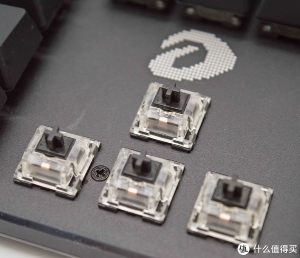 让桌面更多光效——达尔优EK925 RGB机械键盘开箱
