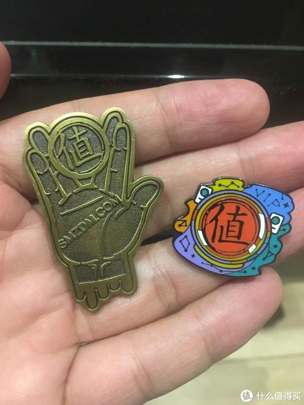 推广徽章是古铜色的,很复古,但我更喜欢生活家徽章,不仅仅是颜值高,更是身份象征