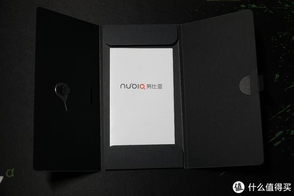 都说是2018下半年最厉害的安卓旗舰?—努比亚 X 双屏手机首发开箱