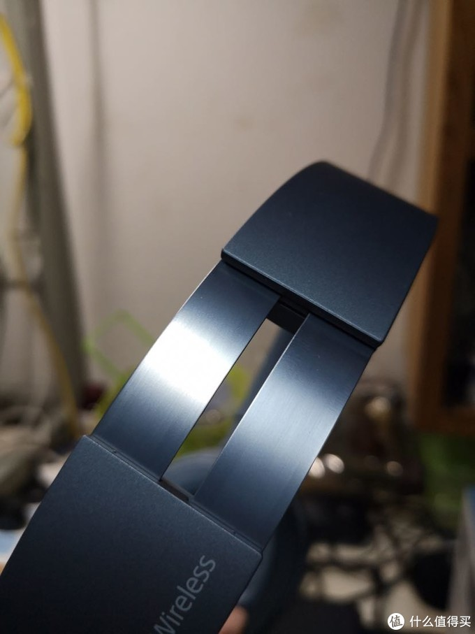 sony伸缩金属架也是月光蓝色的