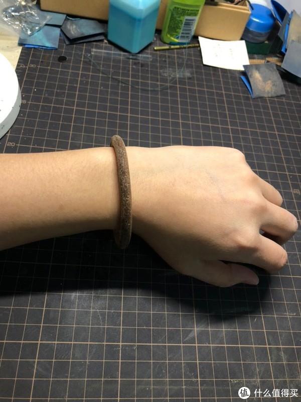 麒麟臂女子教你怎么做goros同款枥木皮手环