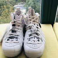 耐克 NI-25364跑鞋外观展示(鞋头 后跟 鞋底 鞋面 鞋带)