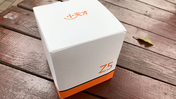 小天才Z5电话手表开箱展示(主体|屏幕|充电触点|卡槽)