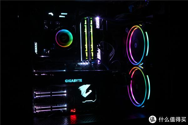 九代酷睿上市买不起,怒装i7-8700K+RTX2070炫酷RGB主机