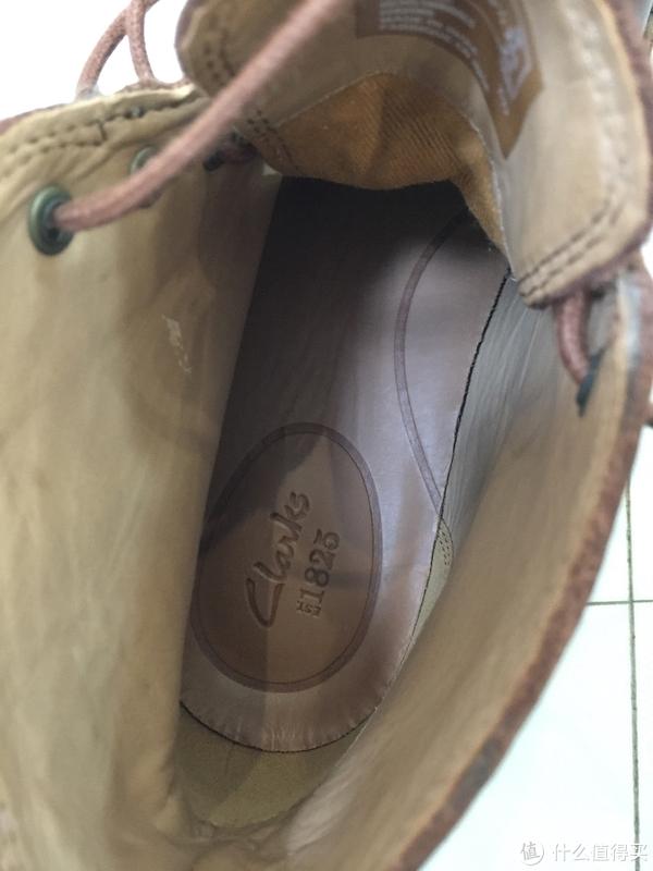 鞋垫很软,比起沙漠靴来不知好到哪里去了。