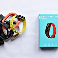 荣耀手环4Running外观展示(传感器|腕带|主体|金属触点|材质)
