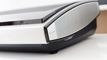 坚果 U1 4K激光电视外观展示(设计 材质 芯片 接口)