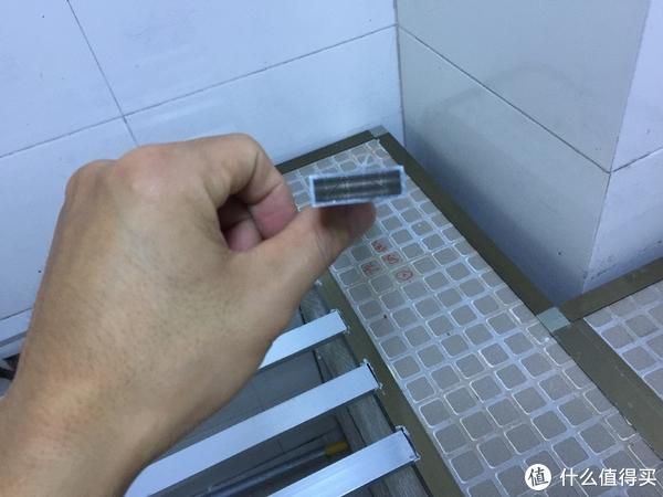 铝合金夹瓷砖橱柜 DIY 篇四:动手第二波 橱柜台面 石英石甄选小方法及定做安装