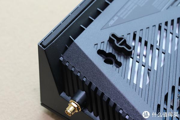 """为了""""吃鸡""""、看4K,我买了一个2999的华硕 RT-AX88U 电竞路由器"""