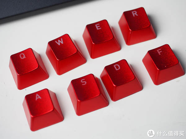 """键盘中的""""瑞士军刀"""" , TT X1 CHERRY RGB银轴 游戏键盘拆解评测"""