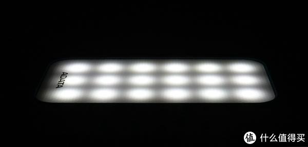 不能当充电宝的台灯不是一台好的温奶器—分享一下花样奶爸的威刚D8000L花样玩法