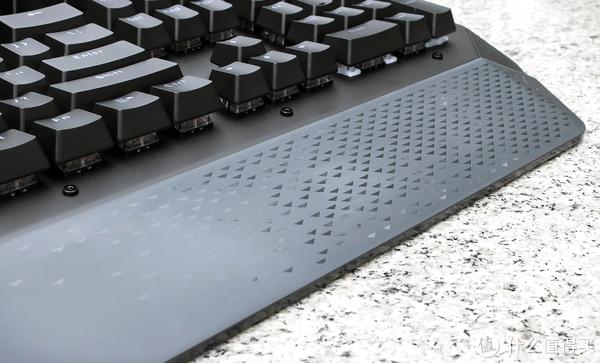 无惧尘水侵扰,雷柏V780机械键盘让你无所顾虑