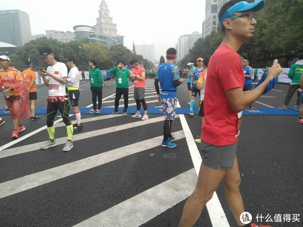 """2018杭州马拉松:""""跑过风景,跑过你""""  享受比赛 PW完赛"""