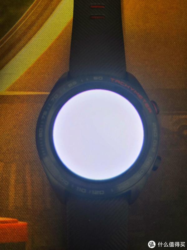 所谓的手电筒就是屏幕亮白光。。。