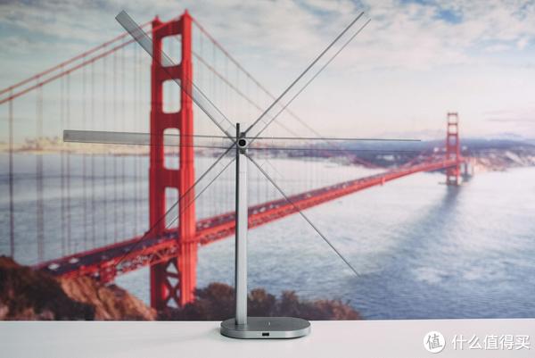 书桌上的多面手,MOMAX Q.LED无线充电台灯上手轻体验
