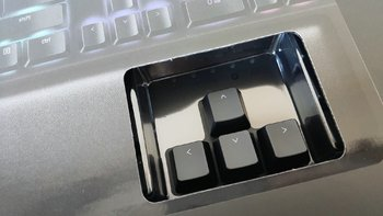 雷蛇黑寡妇蜘蛛精英版键盘开箱介绍(接口|掌托|线材|按键|指示灯)