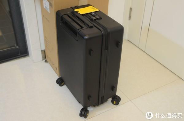 被耍来耍去的179元预定价:LEVEL8 地平线8号 20英寸旅行箱