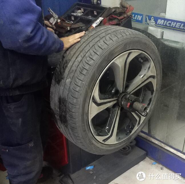 最后每个轮胎需要进行动平衡