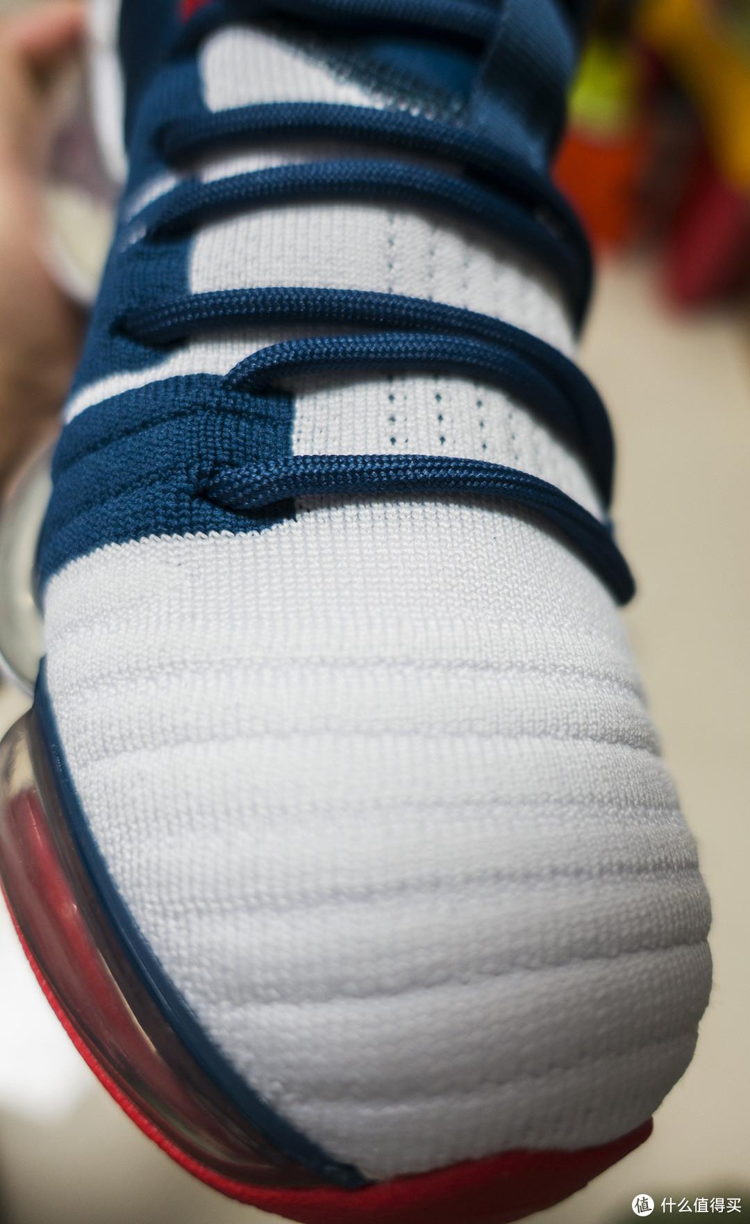 漫威死忠粉的战靴-安踏漫威联名运动鞋开箱