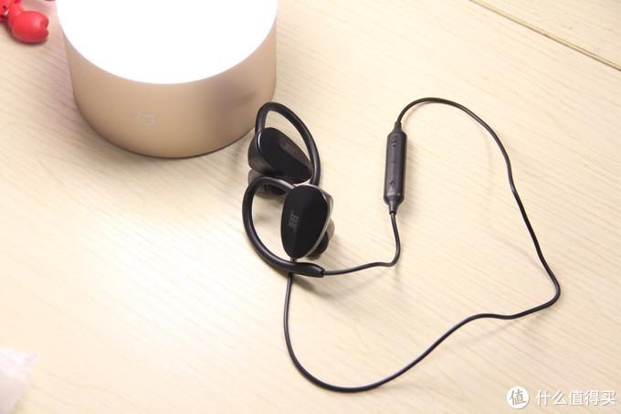 价格、音质、运动的折中点-JEET X勇士限量版蓝牙耳机评测