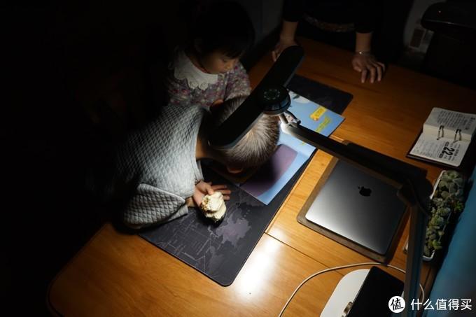 贴心护眼更便捷——明基WiT MindDuo Plus儿童智能台灯上手体验