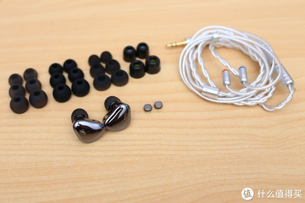 好看耐听——ibasso IT01S 入耳式耳机简评
