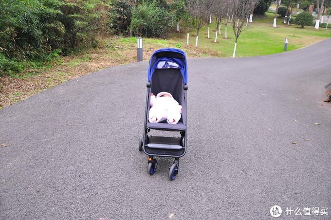 来自一位新手妈妈的评测——米兔折叠婴儿推车你是否值得拥有?
