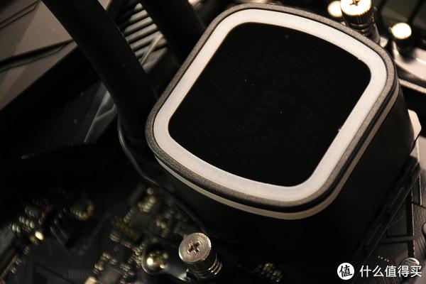锐龙CPU降压也能提升性能!爱国者冰塔V240的开箱意外收获