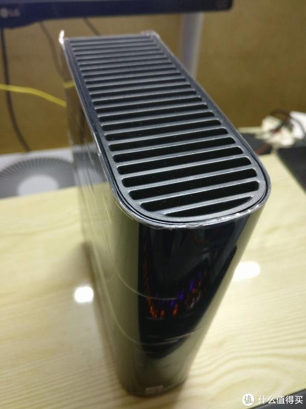 黑五买到的存取时间不到1毫秒的机械硬盘