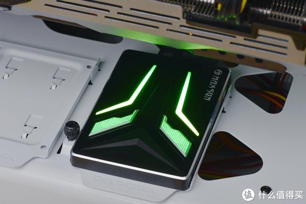 RGB性能加50%,铭瑄独裁者F7 RGB SSD玄学测试