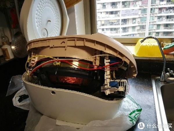 德国蟑螂的杰作,不得不拆解伊立电饭锅进行彻底清洗。