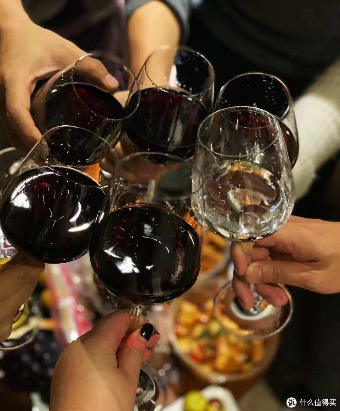 小饮怡情——三两浓香型42°+52°微醺白酒试饮体验