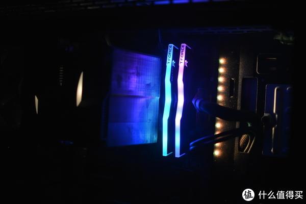 装机预算不足也能同样追求光污染!——十铨DELTA RGB内存分享