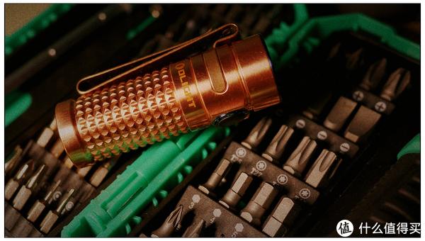 近期OLIGHT红铜手电赏析