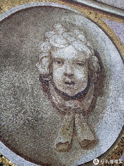 教堂顶部的马赛克画