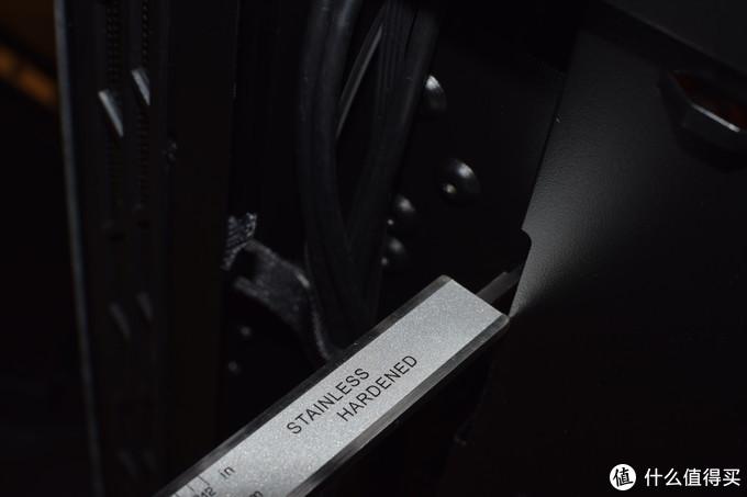 白天不懂夜的黑——爱国者T30机箱评测