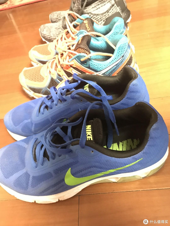 网面的各种跑鞋不太适合中到大雨的天气