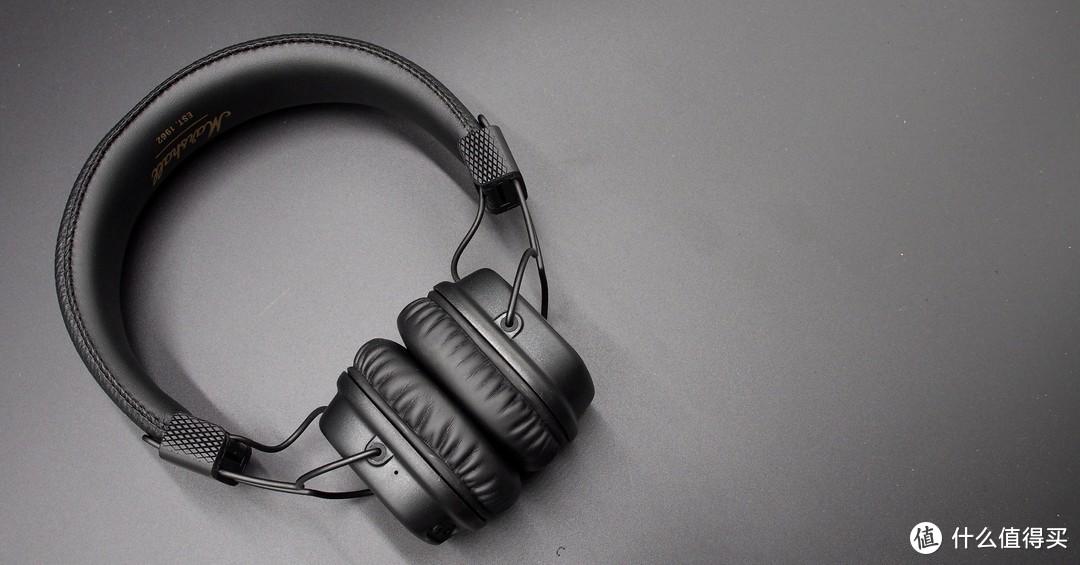 ▲▲▲Major2展开后还是有极强的贴合性,因为头梁设计比较窄,所以可以很好的保证耳机的整体形体,但是会比较夹头