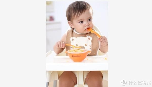 新生儿穿衣的简单方法