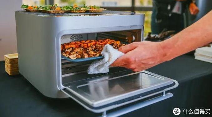 潮酷家电:高颜值电烤箱藏巨大能量,0到260度升温只需1秒钟