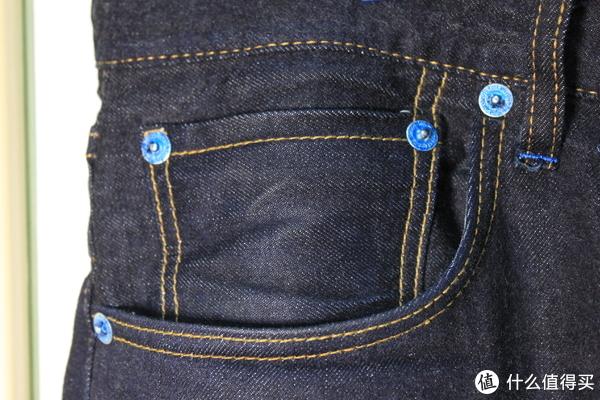 五金件都有一层蓝色镀色,相比于传统的铜色有了一点新意,是个小惊喜