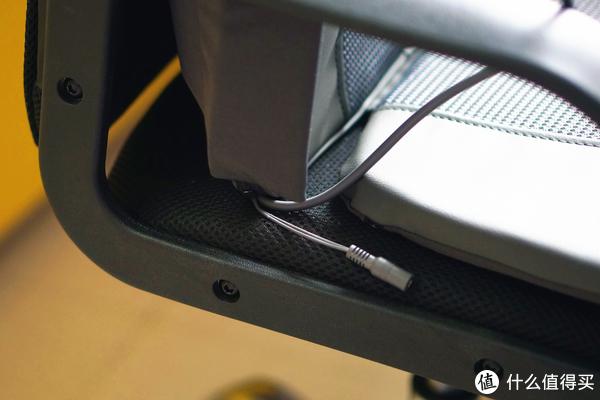 缓解腰酸背痛,办公室久坐族的按摩神器—乐范背部按摩椅垫入手体验