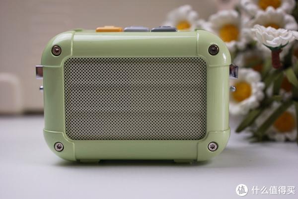 天马行空的设计,复古与新潮的结合, Divoom玛奇朵蓝牙音箱