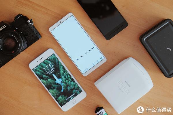 ▲坚果 Pro 2 & iPhone 6sp