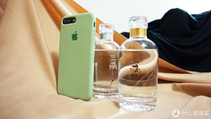 和iPhone7P的尺寸对比